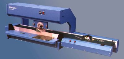 "K4000 18"" or 24"" Motorized Linear Circular blade depanelizer for pre-scored boards."